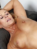 looking at my mom on her knees with a dick in her mouth